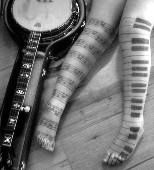 Tatuagens com o tema música (29)