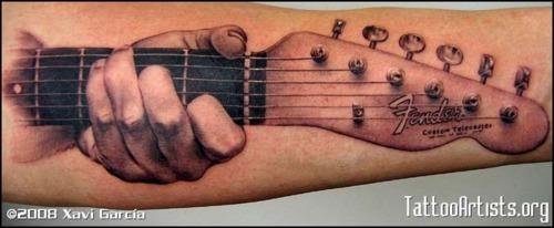 Tatuagens com o tema música (27)