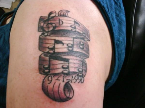 Tatuagens com o tema música (15)
