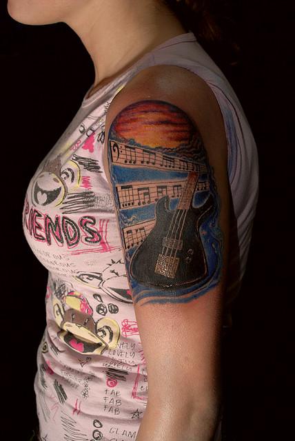 Tatuagens com o tema música (11)