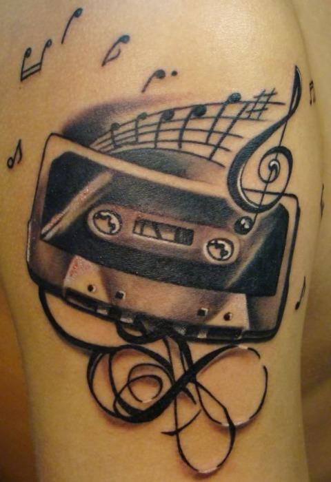 Tatuagens com o tema música (6)