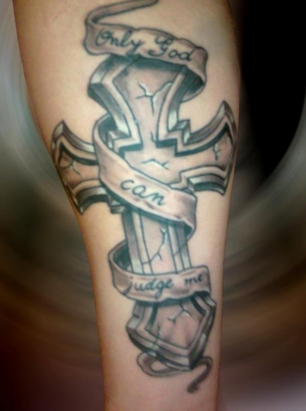Tatuagens de cruzes e símbolos cristãos (58)