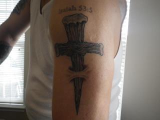 Tatuagens de cruzes e símbolos cristãos (41)