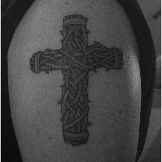 Tatuagens de cruzes e símbolos cristãos (35)