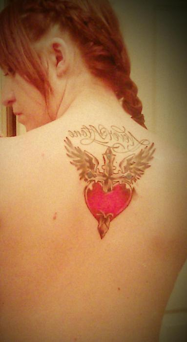 Tatuagens de cruzes e símbolos cristãos (2)
