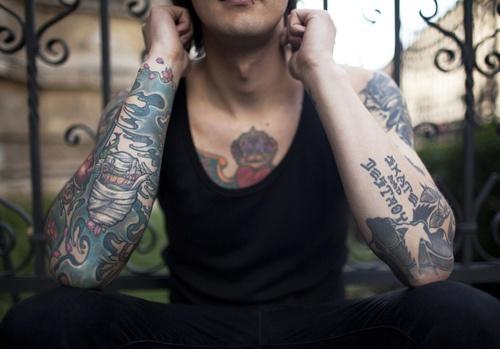 Fotos de pessoas tatuadas para se insipirar (51)