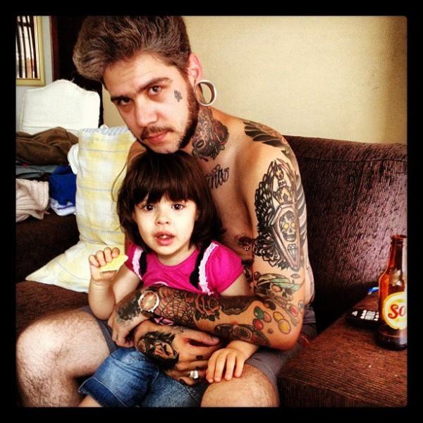 Papais e Mamães Tatuados com seus filhos (97)