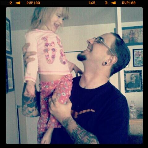 Papais e Mamães Tatuados com seus filhos (71)