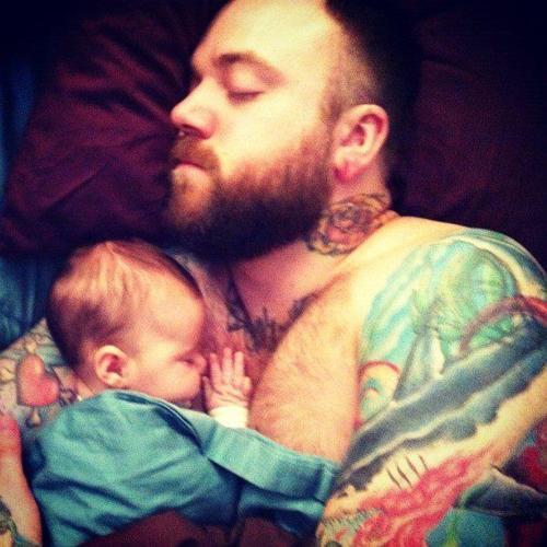 Papais e Mamães Tatuados com seus filhos (70)