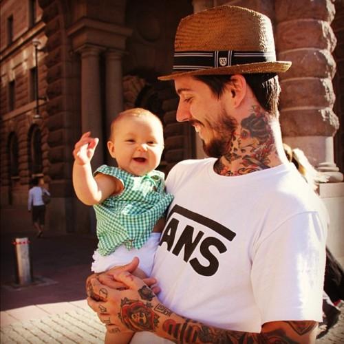 Papais e Mamães Tatuados com seus filhos (53)