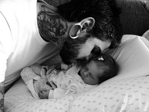 Papais e Mamães Tatuados com seus filhos (42)