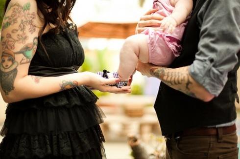 Papais e Mamães Tatuados com seus filhos (31)