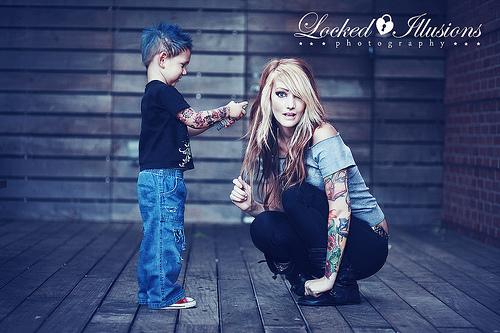 Papais e Mamães Tatuados com seus filhos (13)