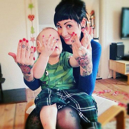 Papais e Mamães Tatuados com seus filhos (8)