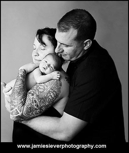 Papais e Mamães Tatuados com seus filhos (51)