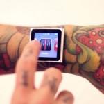 iDermal – iPod  preso ao pulso por meio de microdermais