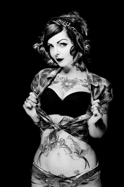 Fotos de lindas mulheres tatuadas (44)