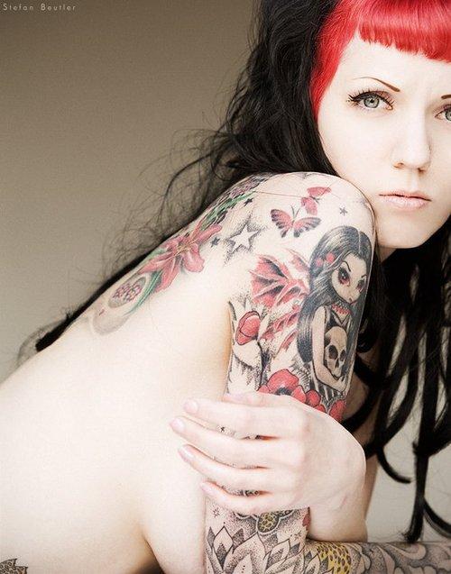 Fotos de lindas mulheres tatuadas (29)