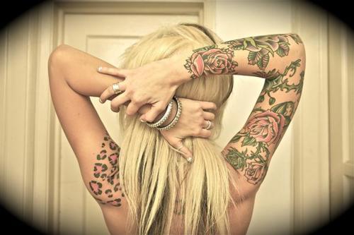 Fotos de lindas mulheres tatuadas (2)
