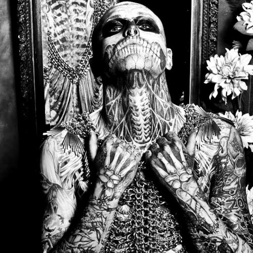Tattooed Guys (43)
