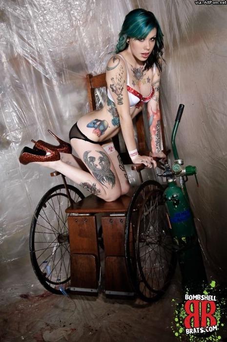 Tattooed Girls (49)