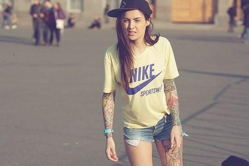 Tattooed Girls (44)