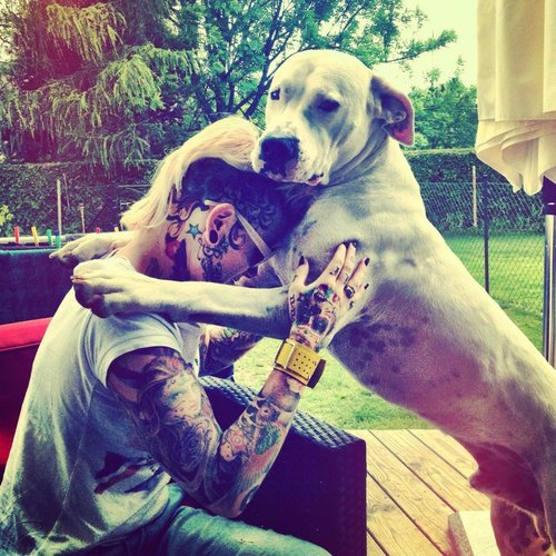 Tattooed People with Puppies (80)