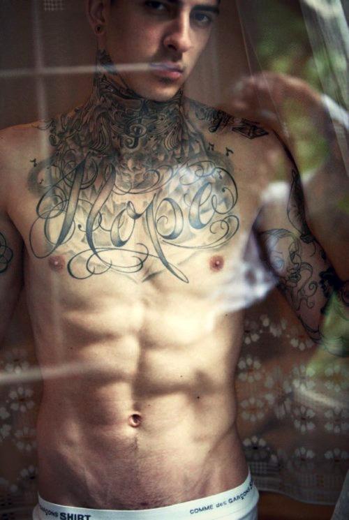 70 Fotos de homens tatuados e modificados (35)