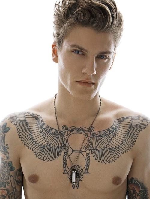 70 Fotos de homens tatuados e modificados (25)
