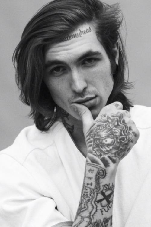 70 Fotos de homens tatuados e modificados (24)