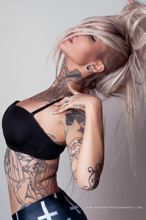 70 Fotos de lindas mulheres tatuadas (66)