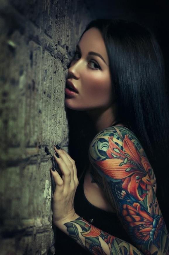 70 Fotos de lindas mulheres tatuadas (58)