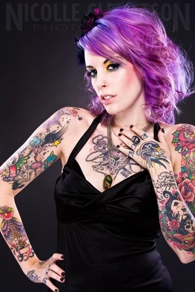 70 Fotos de lindas mulheres tatuadas (45)