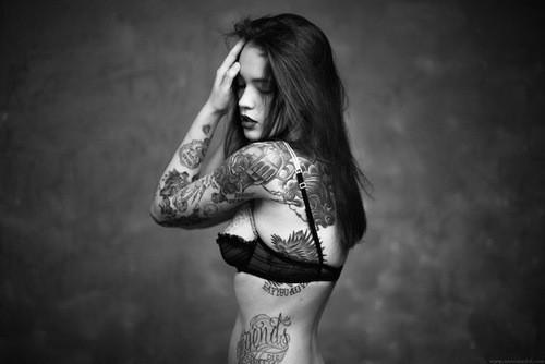 70 Fotos de lindas mulheres tatuadas (34)