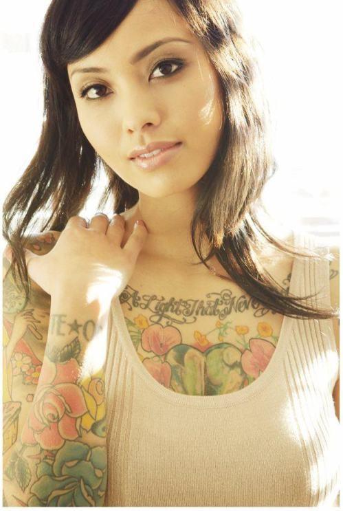 70 Fotos de lindas mulheres tatuadas (33)
