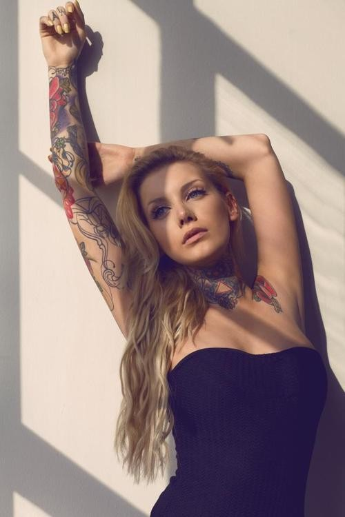 70 Fotos de lindas mulheres tatuadas (24)