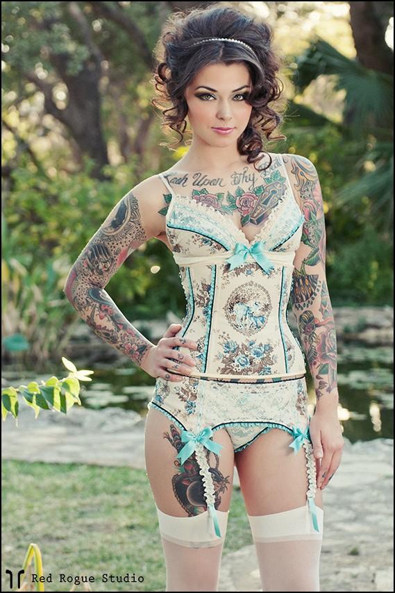 70 Fotos de lindas mulheres tatuadas (18)