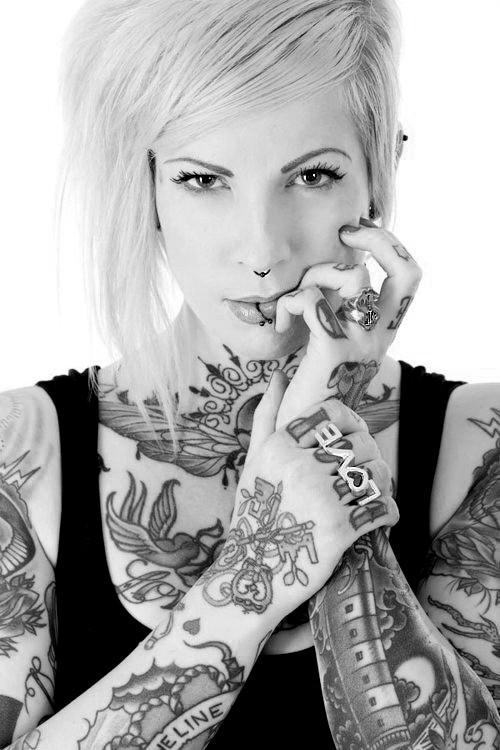 70 Fotos de lindas mulheres tatuadas (12)