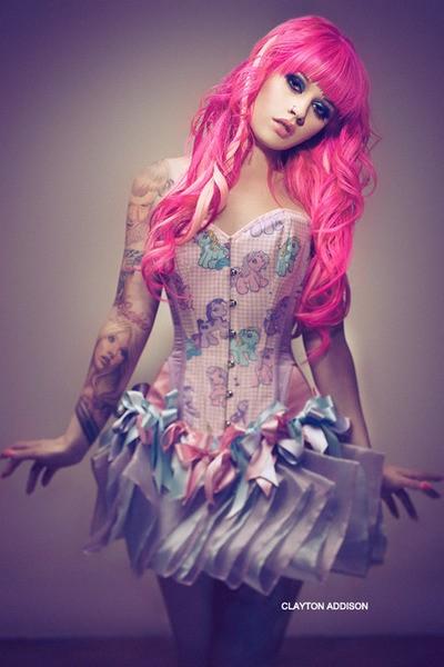 70 Fotos de lindas mulheres tatuadas (9)