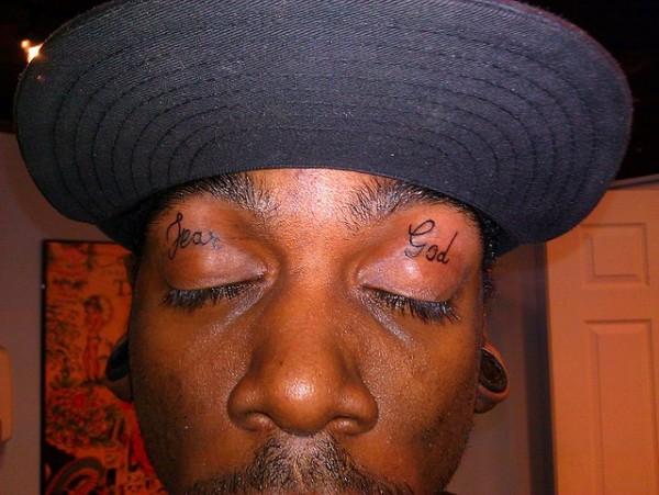 Tatuagem nas palpebras (4)