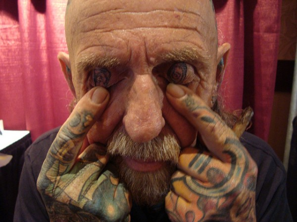 Tatuagem nas palpebras (2)