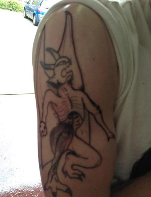 Péssimas tatuagens (2)