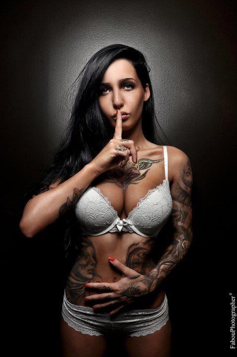 Garotas Tatuadas e Lindas (54)