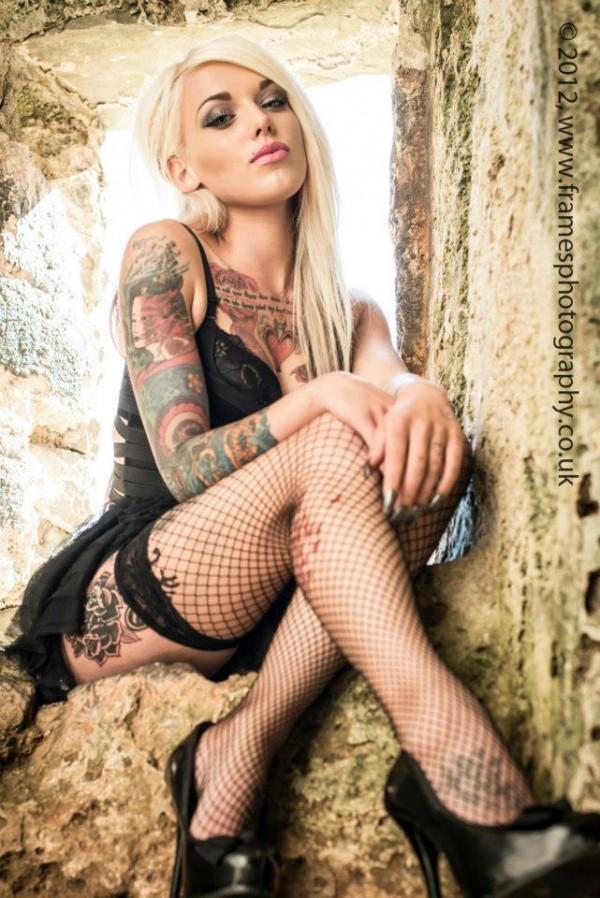 Garotas Tatuadas e Lindas (35)