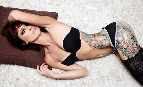 Garotas Tatuadas e Lindas (33)