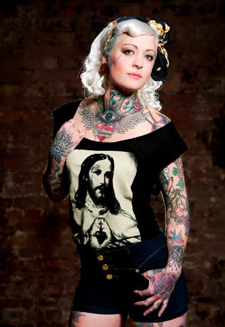 Garotas Tatuadas e Lindas (29)