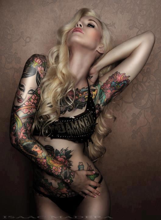 Garotas Tatuadas e Lindas (14)