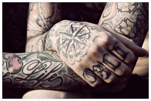 Tatuagens para fazer nas mãos (49)