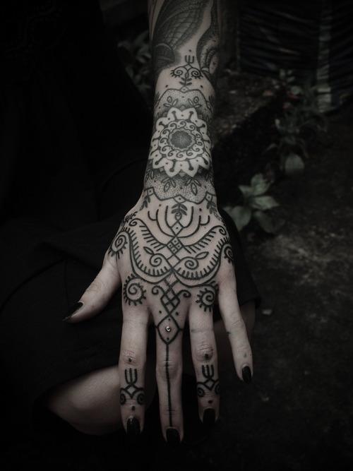 Tatuagens para fazer nas mãos (33)