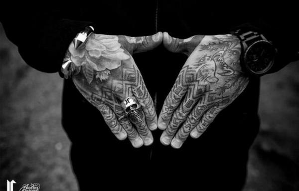 Tatuagens para fazer nas mãos (32)
